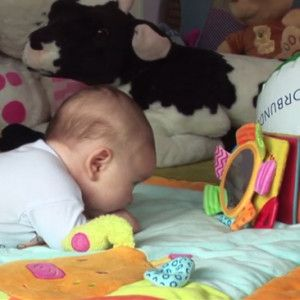 2 mėn kūdikio raida
