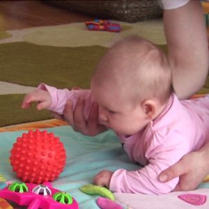 4 mėn. kūdikio raidos patarimai